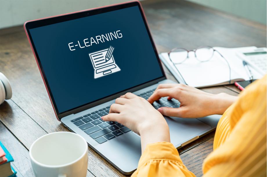 Ferramentas digitais e Ensino à distância cover image